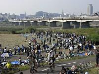 関戸橋フリーマーケット
