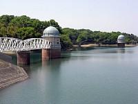 堤防から取水塔